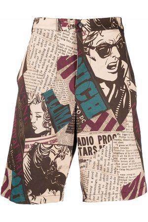 Moschino Newspaper-print gabardine bermuda shorts - Neutrals