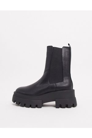 Pull&Bear Platform chelsea boot with cleated sole in