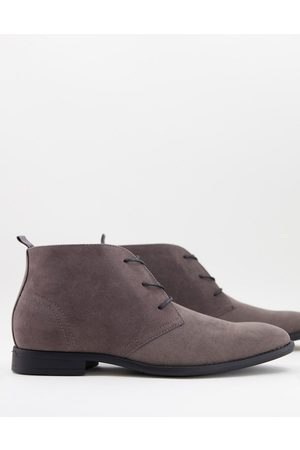 ASOS Chukka boots in faux suede-Grey