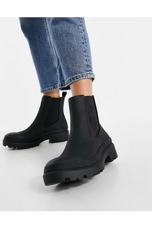 Pull&Bear Pull on chelsea boot in