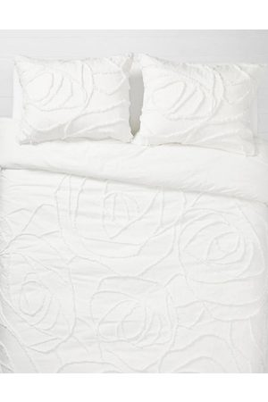 American Eagle Outfitters Dormify Boho Rose Queen Comforter Sham Set Women's One Size