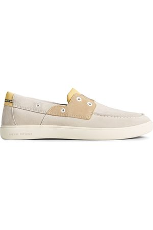 Sperry Top-Sider Men's Sperry Outer Banks 2-Eye Suede Boat Shoe LightGrey, Size 7M