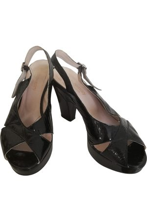RUSSELL & BROMLEY Patent leather sandals