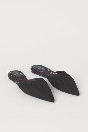 H&M Pointed Mules