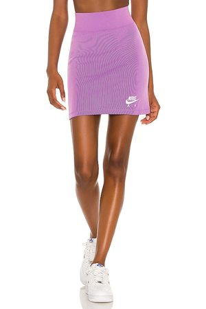 Nike NSW Air Rib Skirt in .