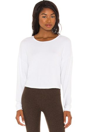 Beyond Yoga Do The Twist Cropped Pullover in .