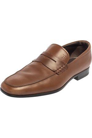 Tod's Men Loafers - Leather Slip On Loafers Size 39.5