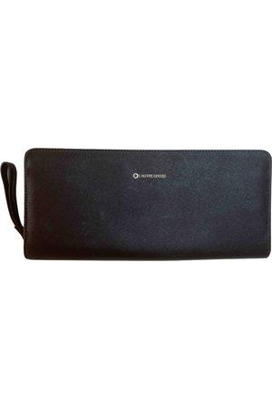 L'Autre Chose Women Clutches - Leather clutch bag
