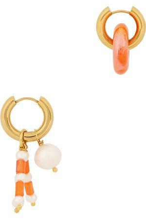 Timeless Pearly Women Earrings - Asymmetric 24kt gold-plated hoop earrings