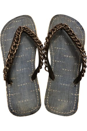 Uzurri Plastic Sandals