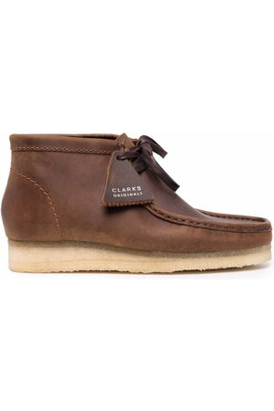 Clarks Men Lace-up Boots - Lace-up leather desert boots