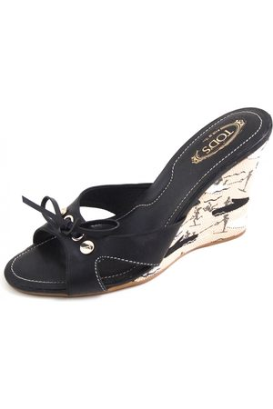 Tod's Leather mules & clogs