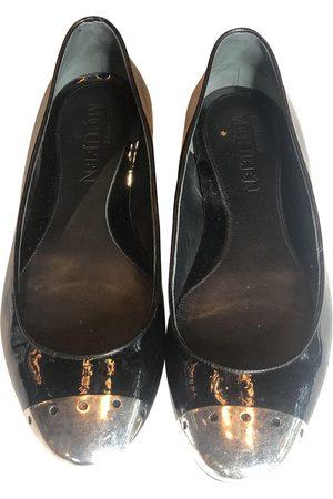 Alexander McQueen Patent leather ballet flats