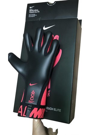 Nike Polyester Gloves