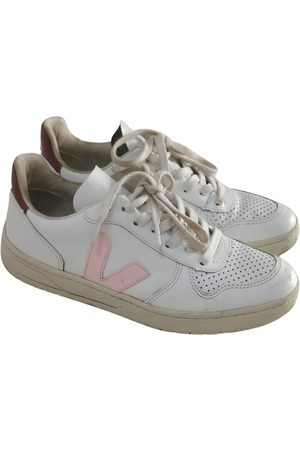 Vejas Leather Trainers