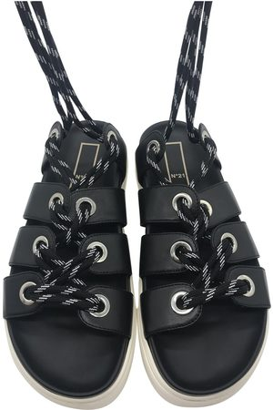 No. 21 Leather Sandals