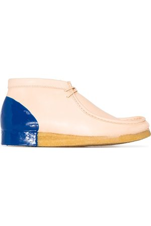 Clarks Men Lace-up Boots - Dipped Wallabee leather desert boots - Neutrals
