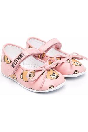 Moschino Teddy-print ballerina pumps
