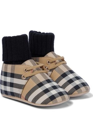 Burberry Baby Vintage Check booties