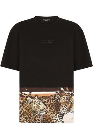 Dolce & Gabbana Men T-shirts - Leopard-hem logo T-shirt