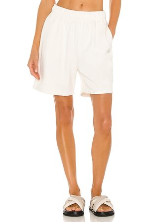 alo Accolade Sweat Short in Ivory.