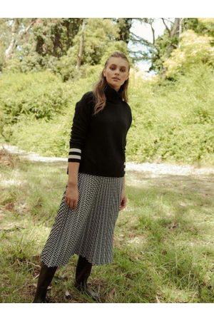 Bande Studio Sofia Pleated Satin Skirt /White Check