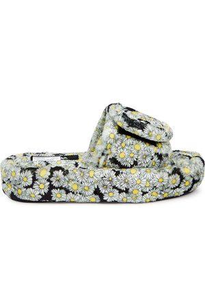 Natasha Zinko Daisy-print padded fleece slippers