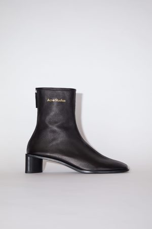 Acne Studios FN-WN-SHOE000355 / Branded leather boots