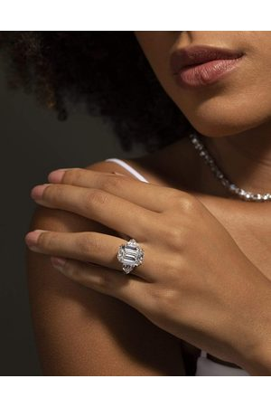 Fantasia By Deserio 9ct Emerald Cut with Shield Sides Ring
