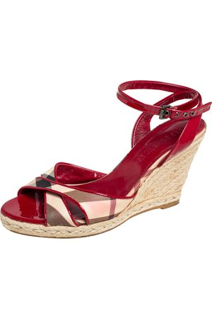 Burberry /Beige Nova Check Canvas and Patent Leather Cross Strap Espadrille Wedge Sandals Size 39.5