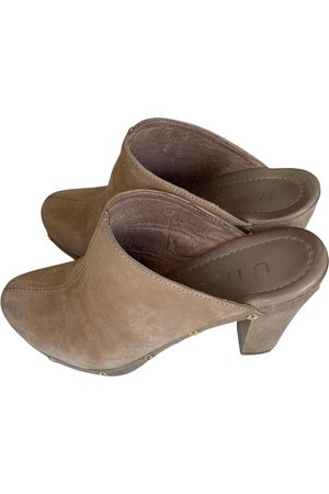 unisa Leather mules & clogs