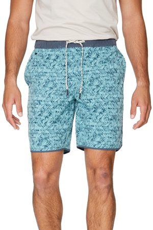 7 Diamonds Men's Core Active Chevron Print Shorts