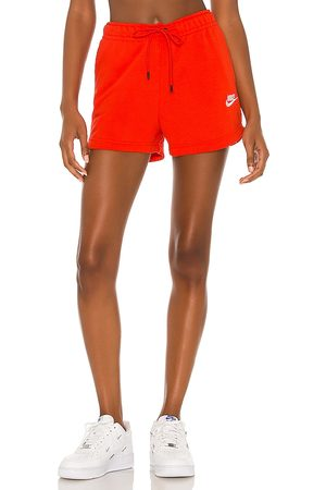 Nike Essential Short in .