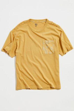 BDG Men T-shirts - Printed Pocket Tee