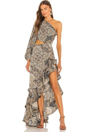 Bronx and Banco Paisley Gown in Beige.