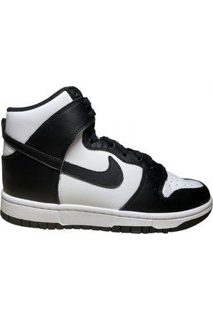 Nike SB Dunk trainers