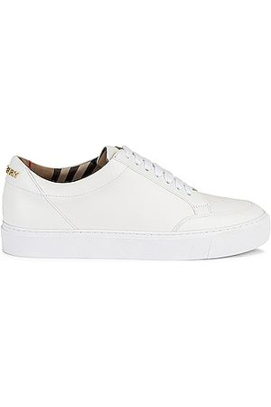 Burberry Salmond Low Top Sneakers in