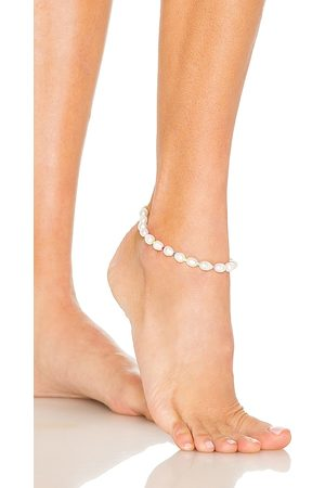 Adina's Jewels Pearl Anklet in White.