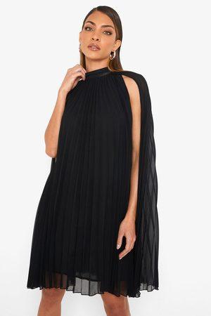 Boohoo Women Casual Dresses - Womens Pleated Cape Swing Dress - - 4