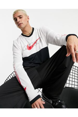Nike SC long sleeved top in black and white-Multi