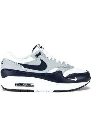 Nike Air Max 1 LV8 in .