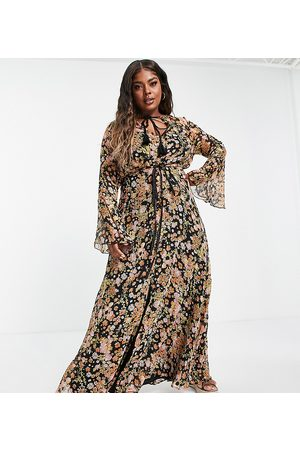 ASOS ASOS DESIGN Curve ditsy floral maxi dress with flared cuff and tassle detail