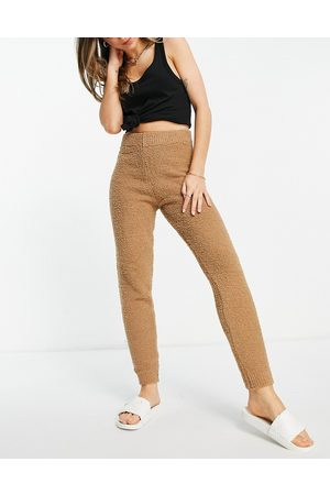 ASOS Set knitted sweatpants in textured boucle yarn in camel-Neutral