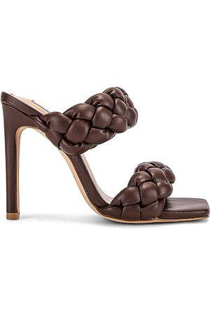 Steve Madden Kenley Sandal in Chocolate.