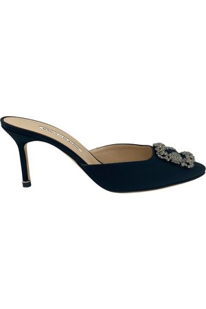 Manolo Blahnik Hangisi cloth sandals
