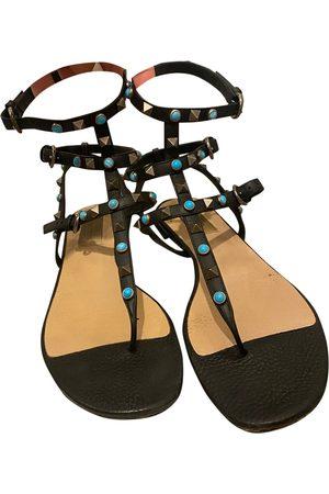 VALENTINO GARAVANI Rockstud leather sandal
