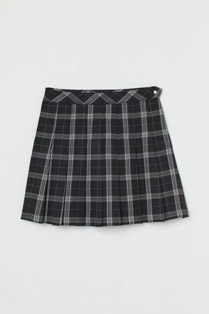 H&M Short Pleated Skirt