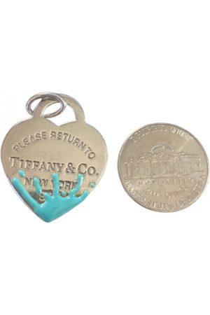 Tiffany & Co. Return to Tiffany pendant