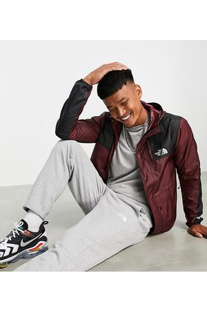 The North Face Men Outdoor Jackets - Wind jacket in burgundy - Exclusive to ASOS