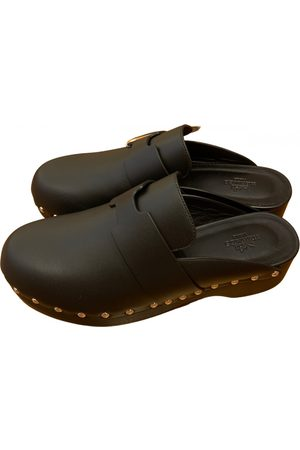 Hermès Calya leather mules & clogs